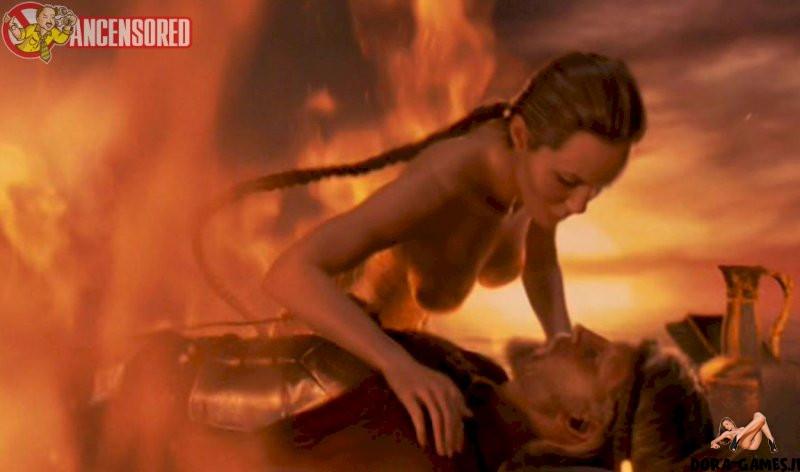 Nackt angelina ancensored jolie Angelina Jolie